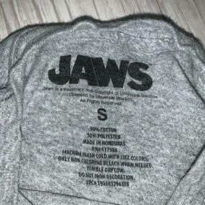 Universal Tops - Jaws T-shirt size small-oversized